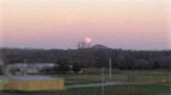 Full moon rising (3)