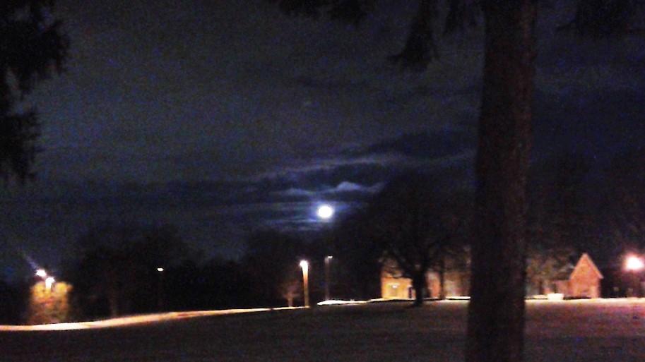 Moonset CTS night sky